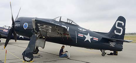 Grumman F8F-2 Bearcat N7825C, May 14, 2011